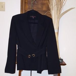 ♥️😊Sophisticated and classy blazer with belt🌹
